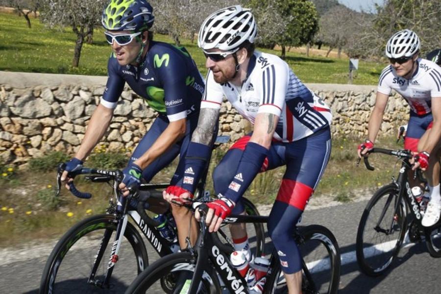 bradley wiggins and sky team in mallorca