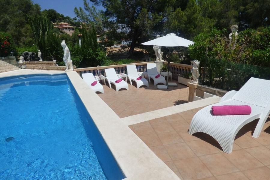 pool-and-terrace–at-mallorca-holiday-villa