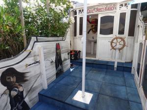 Childrens-safty-play-area-at-mallorca-holiday-villa-