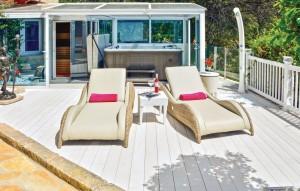 Ocean Luxury Spa with Private Sunbathing Deck